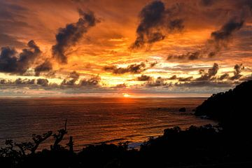 zonsondergang in Costa Rica van Henk Bogaard