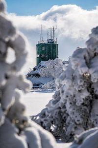 Verschneiter Blick auf den Astenturm