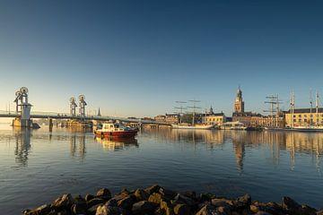 Kampen skyline in een gouden herfst ochtend #2 van Edwin Mooijaart