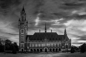 Zwart Wit: Vredespaleis in Den Haag van Rene Siebring
