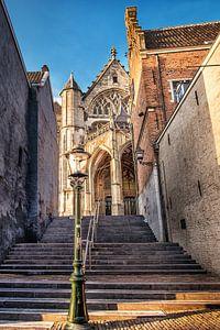 Doorkijkje naar de Stevenskerk in Nijmegen