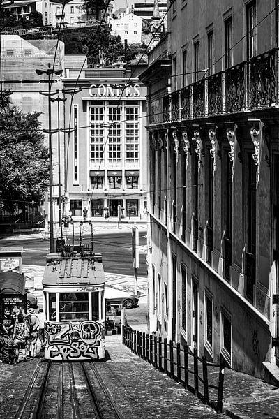 Tram Lissabon van Scholtes Fotografie