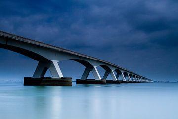 Blue Bridge  van Emile Peters