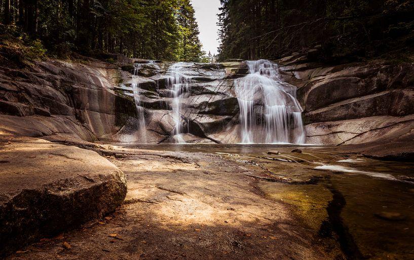 Wasserfall in der Tschechischen Republik von Cynthia Hasenbos
