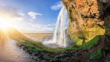 Chute d'eau Seljalandsfoss en Islande sur Dieter Meyrl
