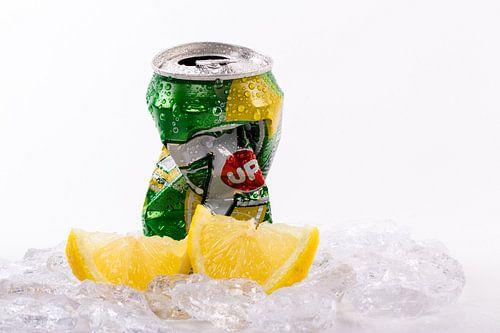 Seven-up met citroen en ijs