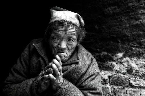 old man nepal van