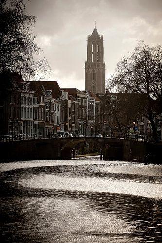 Waterstromen in de Weersingel. van