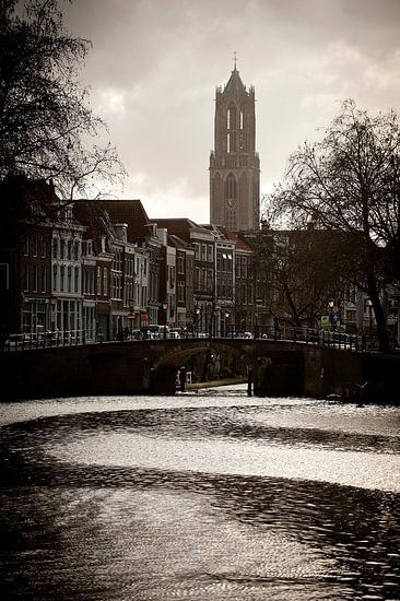 Waterstromen in de Weersingel.
