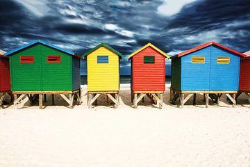 Muizenberg gekleurde strandhuisjes in Kaapstad van Heleen van de Ven