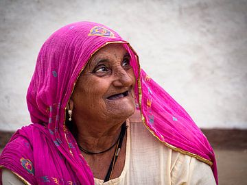 India - Tordi Sagar - Gelukkige dame