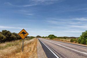 Outback Australië. Beroemde iconische kangaroe snelweg bord