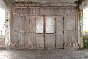 Holztür in Verfall