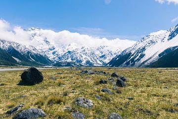Die Berge am Mount Cook in Neuseeland von Linda Schouw