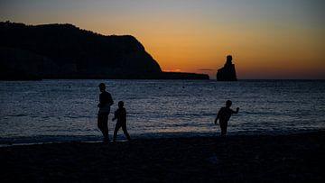 Sonnenuntergang am Strand von Benirrás von Alexander Wolff