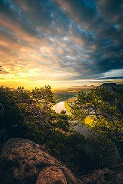 Der fluss Elbe in sachsen, schöne Aussicht im Elbsandsteingebirge von Jan Wehnert