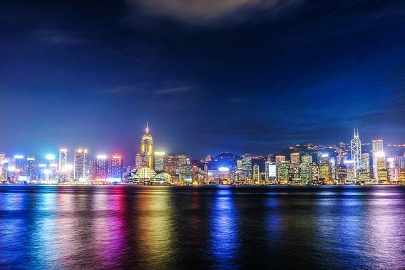 Hong Kong Blue Hour van Cho Tang