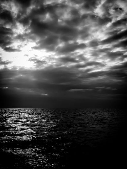 Darkness is coming van Inez Wijker