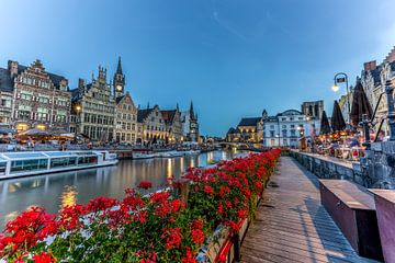 Gent, België, de Leie in blauwe uur van Maarten Hoek