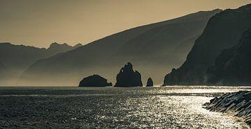 Schitteringen bij Porto Moniz  Madeira van Robbie Nijman