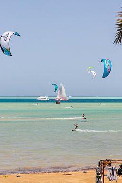 Kitesurfen El Gouna Egypte van Ton Tolboom