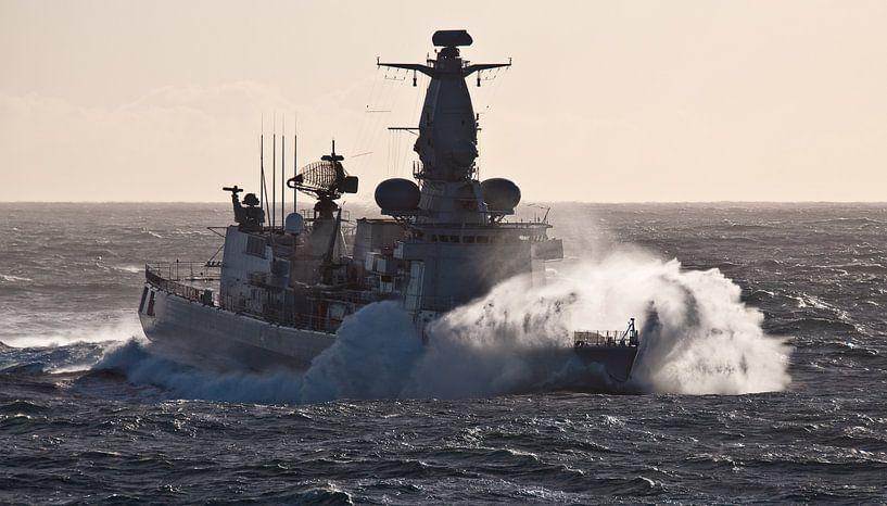 Fregat in de golven - part I van Alex Hiemstra