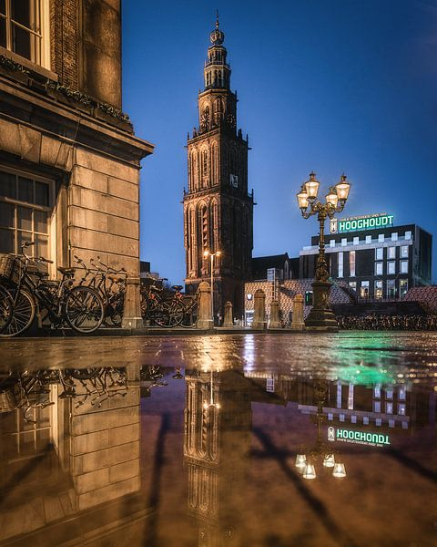 Martinitoren vanaf de Grote Markt in Groningen van Harmen van der Vaart