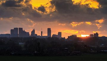 Den Haag Skyline Silhouet  van Dennis van de Water
