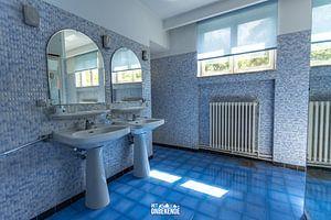 Blauwe badkamer. van Het Onbekende