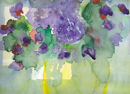 Vase jaune transparent avec bouquet violet à l'aquarelle