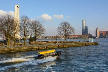Watertaxi in Rotterdam van Paula van der Horst