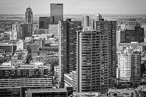 Skyline Rotterdam Centrum (zwart-wit) van Mark De Rooij