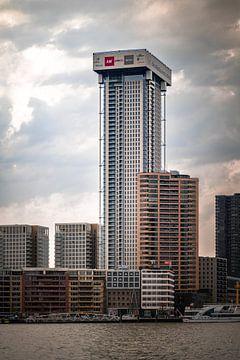 Zalmhaventoren in aanbouw van Michael Fousert