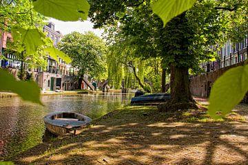 Lente aan Oudegracht bij Twijnstraat van Martien Janssen