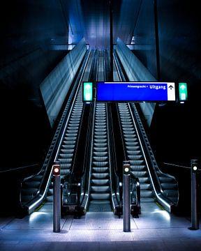 Roltrap in de Amsterdamse metro van Jay Vervoort