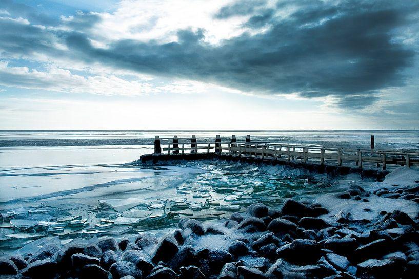 Kruiend ijs  Afsluitdijk van Marloes Bogaarts