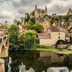 Uitzicht op Angles-sur-l'Anglin, Frankrijk van Art By Dominic