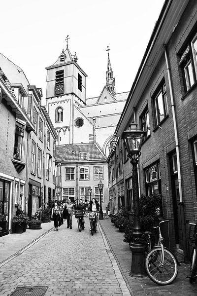 Pentekening Beschuitsteeg Leiden Nederland Tekening Lijntekening van Hendrik-Jan Kornelis