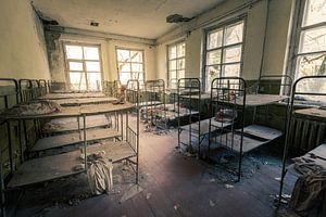 Schlafsaal mit Hochbetten in verlassenem Kindergarten von Tschernobyl