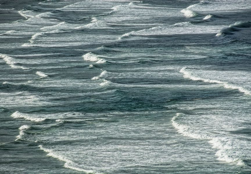 Kleine golfjes in de zee