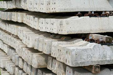 nieuwe betonnen spoorbielzen van Heiko Kueverling