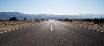The road ahead is empty sur Meneer Bos