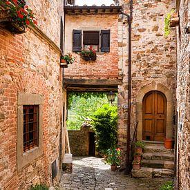 Mediterrane steegje - Montefioralle in Toscane van Reiner Würz / RWFotoArt