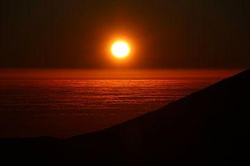 Sonnenuntergang über der Wolkendecke, in der Nähe des Paranal-Observatoriums, Atacama-Wüste, Chile von A. Hendriks