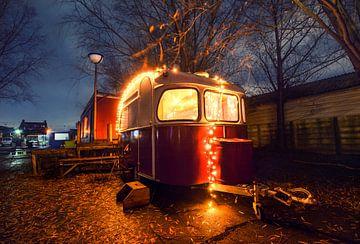 Sfeervol verlichte camper / caravan van Chihong