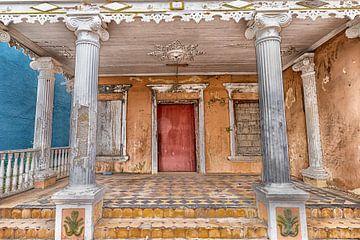 Haus mit den Säulen Curacao von Marly De Kok