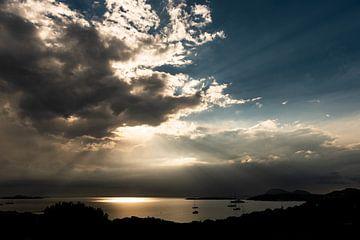 Zonsopkomst boven de Costa Smeralda - Sardinië sur Damien Franscoise