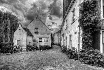Muurhuizen historische Amersfoort schwarz-weiß von Watze D. de Haan