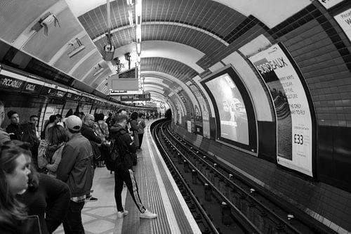 Londoner U-Bahnstation, Piccadilly Circus, Vereinigtes Königreich von Roger VDB