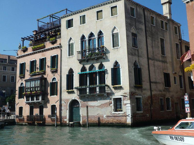 Huisjes aan het water in Venetië
